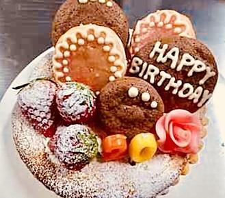 バースデーホールケーキ