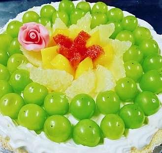 ぶどうのホールケーキ